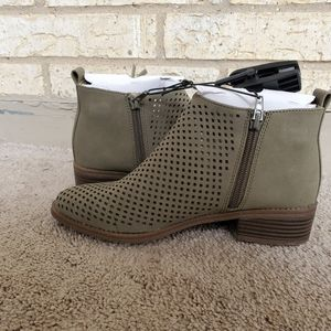 Brand new ladies wide width perforated bootie shoe